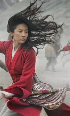 """Disney """"Mulan"""" kritikuojamas už filmavimą Kinijos regione, kuriame engiami uigūrai"""